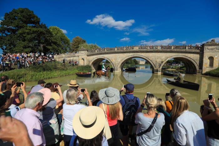 Burghley 2018 M Lewis105 Lion Bridge Crowds