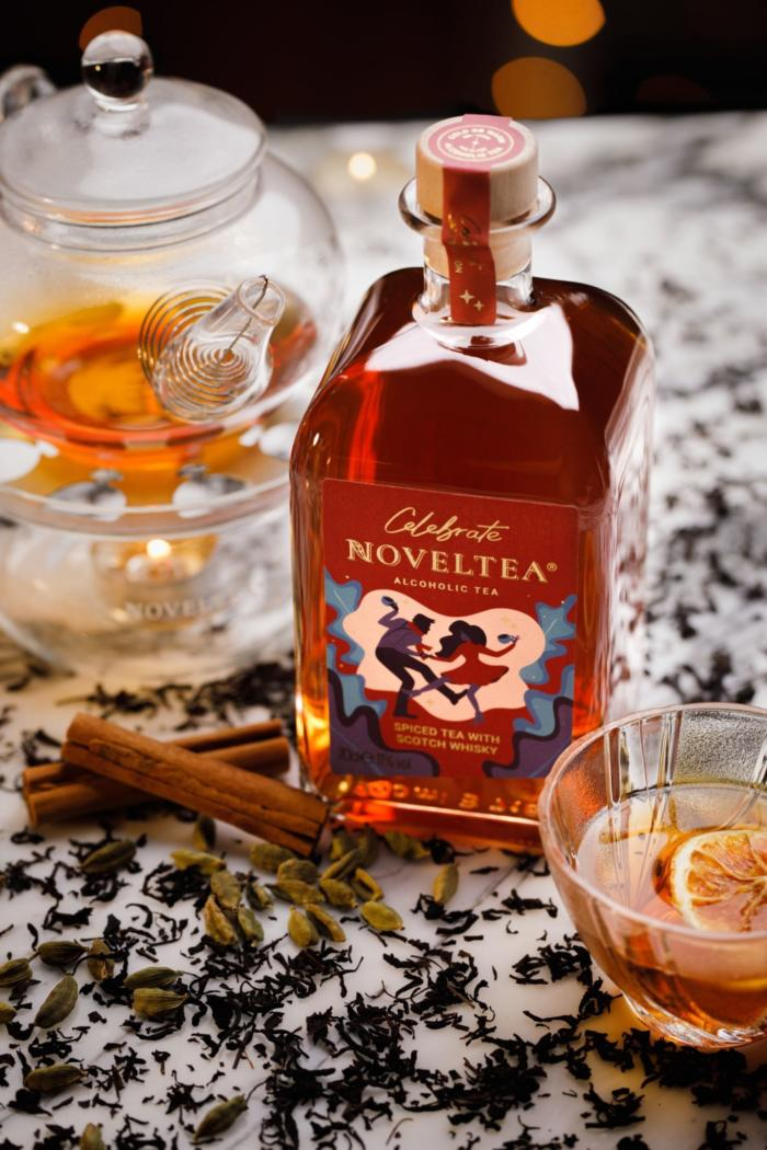 NOVELTEA Celebrate Warm Serving